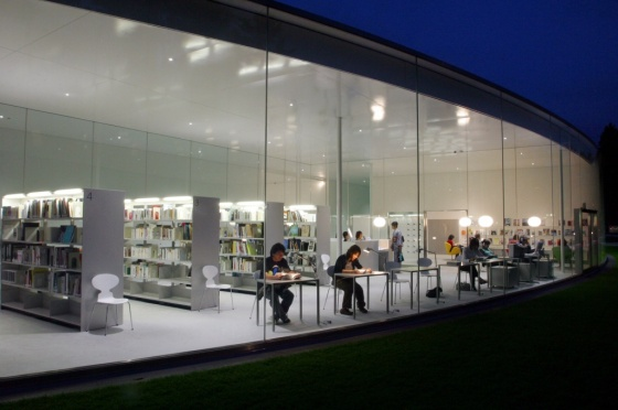 21st Centry Museum of Contemporary Art Opened in Japan