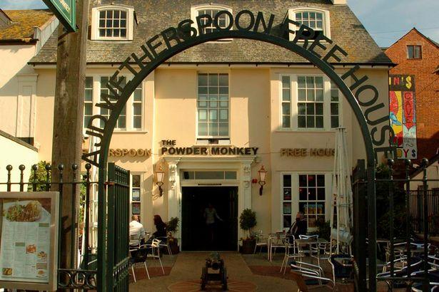 pay-powder-monkey-pub-in-exmouth